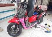 pasang sticker scoopy